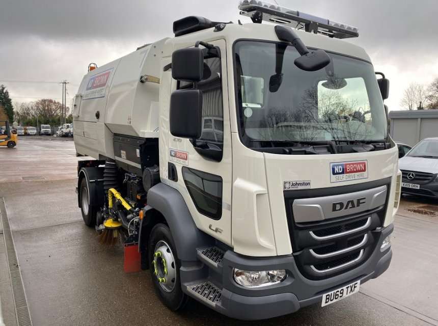 15 Tonne Road Sweeper Hire