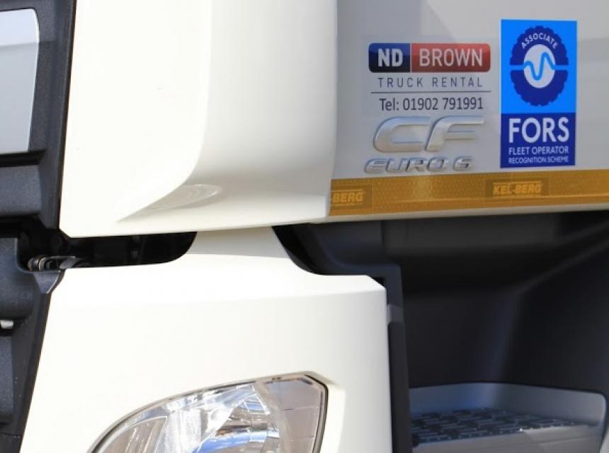 32 Tonne GVW Tipper Grab Cab