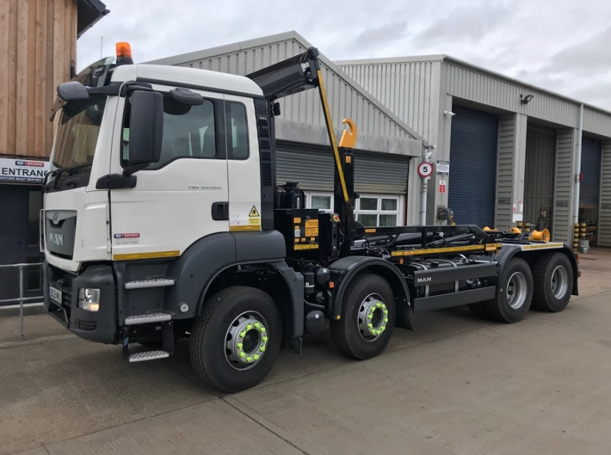 32 Tonne Hook Loader Hire - Front Side View