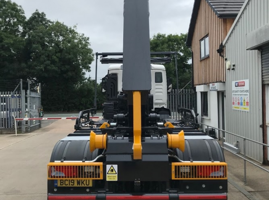 32 Tonne Hook Loader Hire - Rear