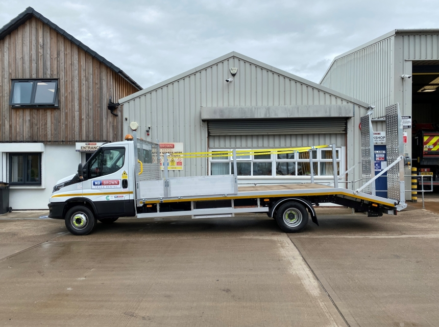 7.2/7.5 Tonne GVW Beavertail  image 2