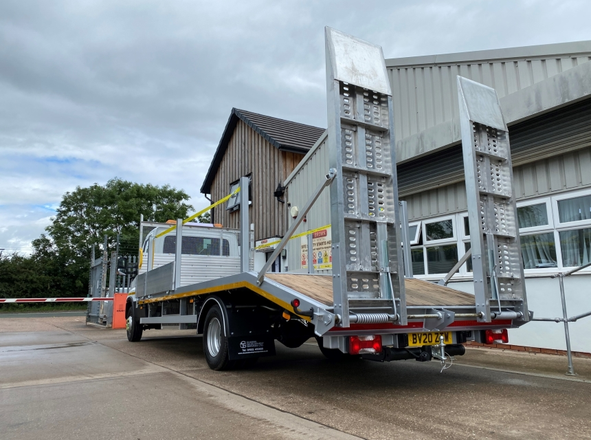 7.2/7.5 Tonne GVW Beavertail  image 3