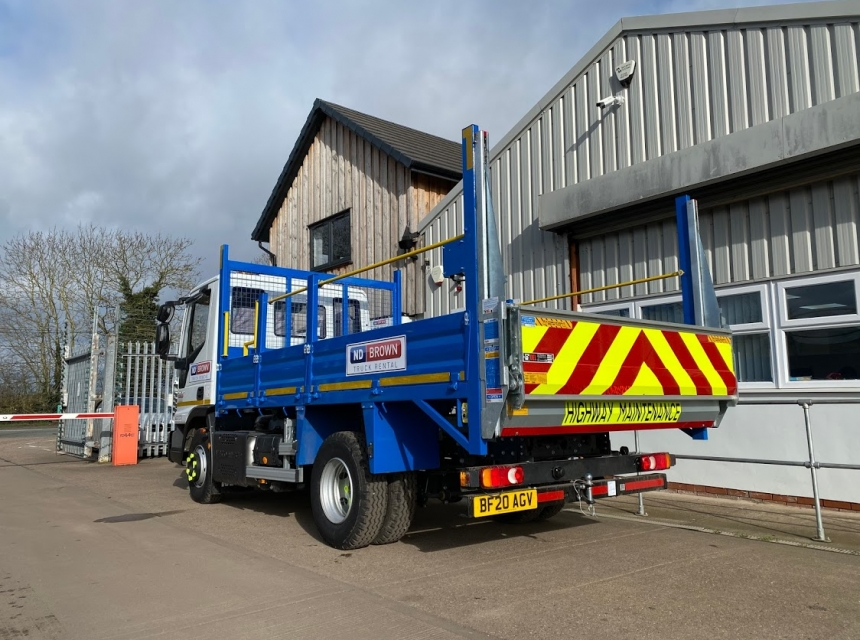7.5 Tonne GVW Tipper With Tail Lift