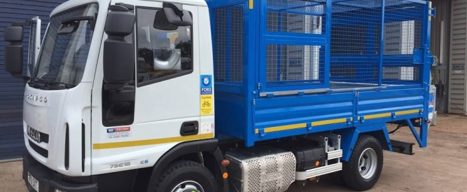 Cage Tippers vs Skip Hire thumbnail