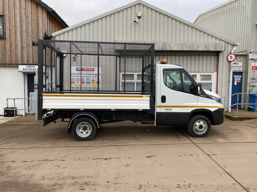 Caged Tipper With Tail Lift