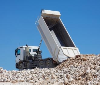 Choosing the right tipper hire truck thumbnail