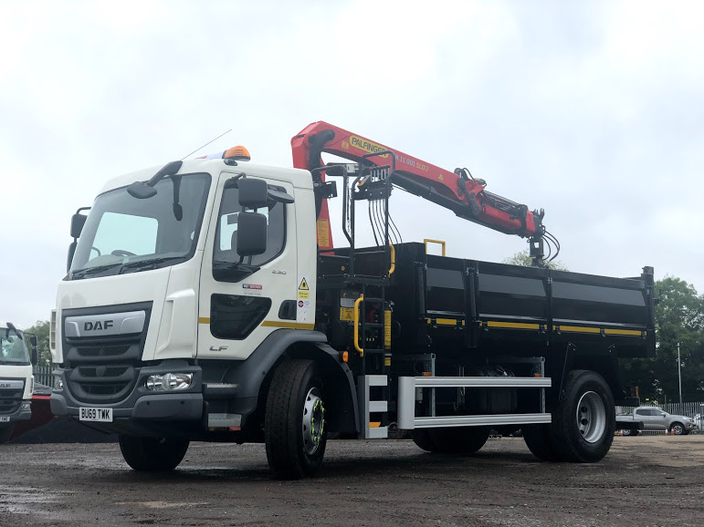 18 Tonne Tipper Grab Hire Vehicle Available in London