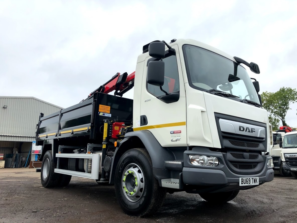 Flexible Nationwide Tipper Grab Hire