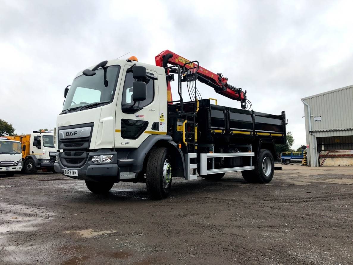 Tipper Grab - HGV Hire